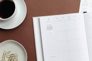 A budget calendar to learn how to live on last month's income